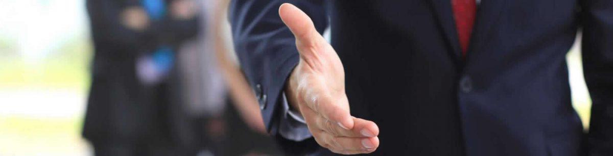 el apreton de manos o como saludar de manera correcta 3 e1498082803872 - Socios
